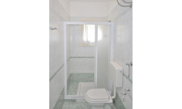 villaggio MICHELANGELO: C6 - bagno (esempio)