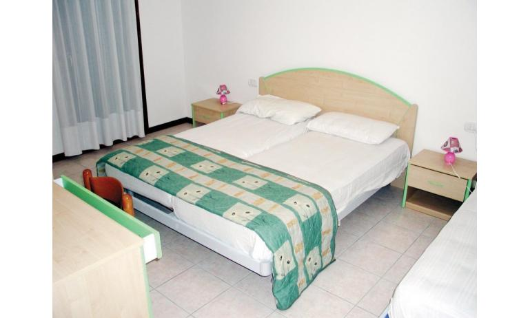residence LEOPARDI: B5 - letto matrimoniale (esempio)