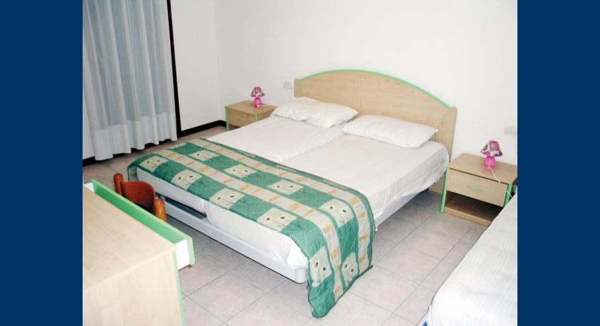 B5 - double bed (example)