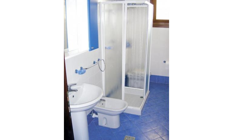 residence LEOPARDI: B5 - bagno (esempio)