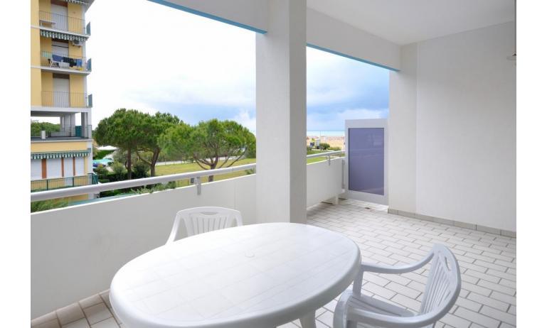 residence LUXOR: B5 - balcone vista mare (esempio)