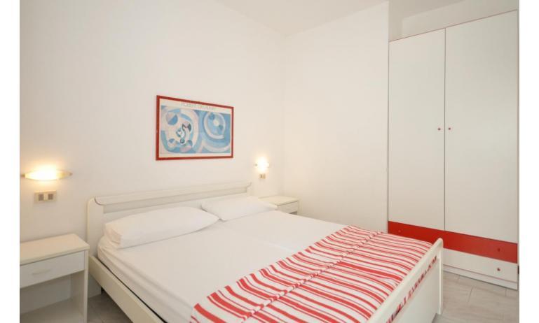 residence LUXOR: B5 - camera matrimoniale (esempio)