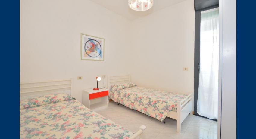 C6 - chambre avec deux lits (exemple)