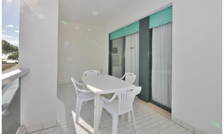 residence LUXOR: C6/F - balcone (esempio)