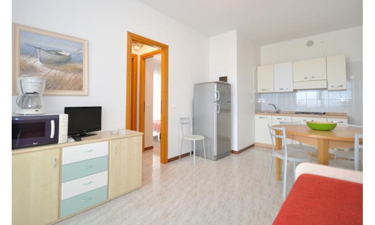 residence LUXOR: C6/F - soggiorno (esempio)