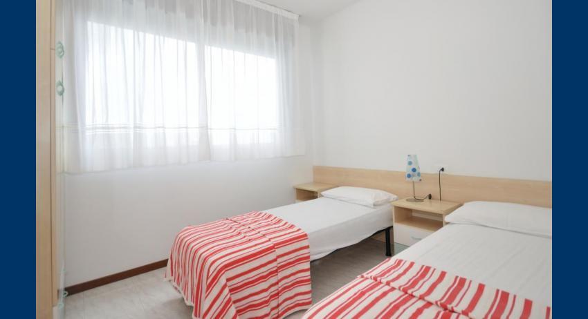 C6/F - chambre avec deux lits (exemple)