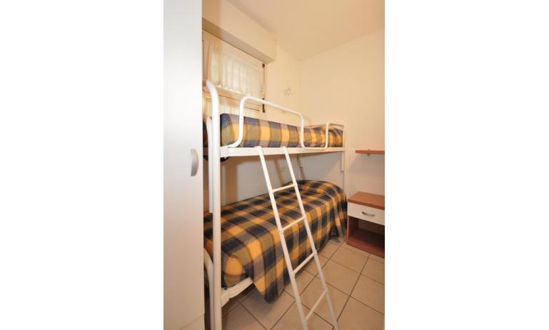 appartamenti MARA: C6/1 - camera con letto a castello (esempio)