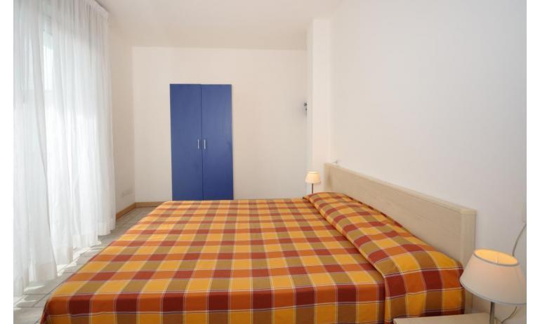 appartamenti MARA: C6/A - camera matrimoniale (esempio)