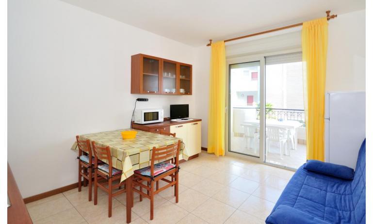 appartamenti MILLENIUM: B4 - soggiorno (esempio)