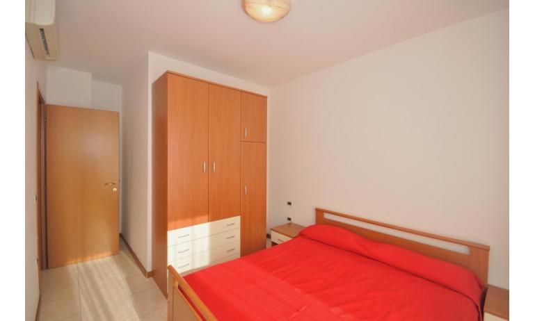 appartamenti MILLENIUM: B4 - camera matrimoniale (esempio)