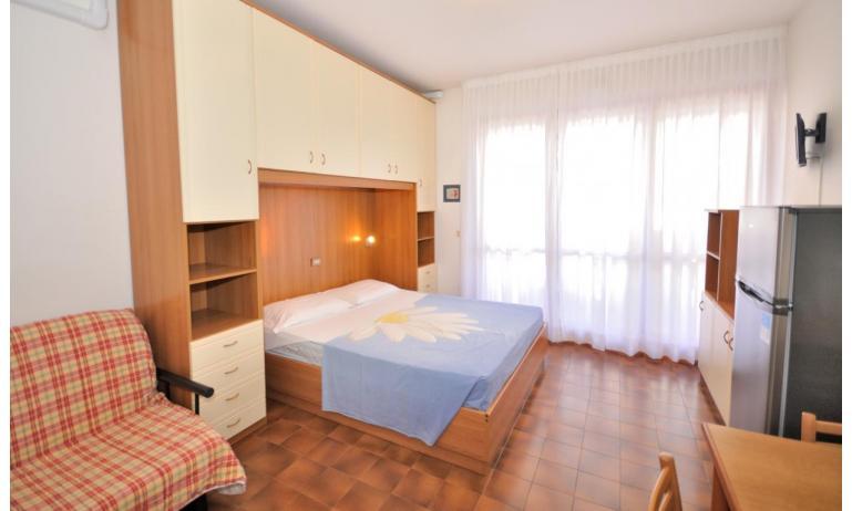 appartamenti CAVALLINO: A3 - letto matrimoniale (esempio)