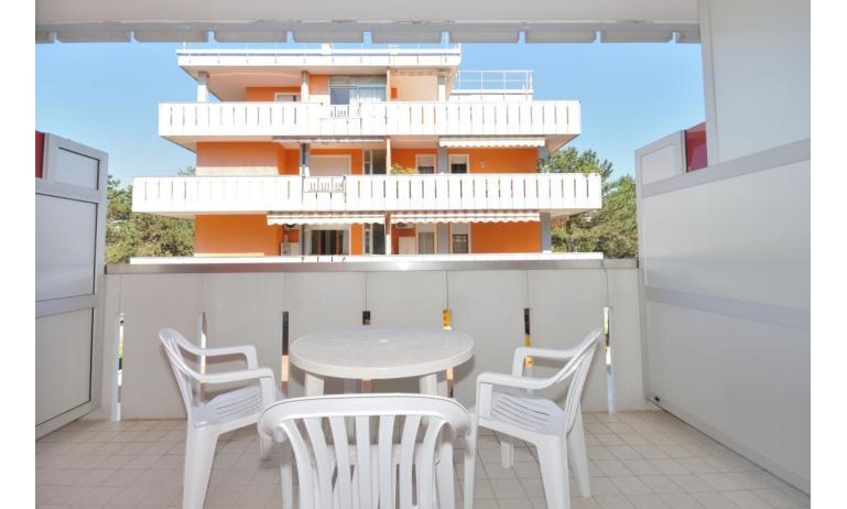 appartamenti CAVALLINO: A3 - balcone (esempio)