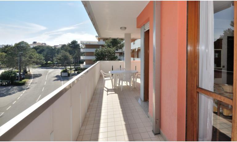 appartamenti CAVALLINO: B6 - terrazzo (esempio)
