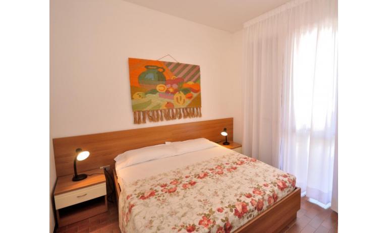 appartamenti CAVALLINO: C6 - camera matrimoniale (esempio)