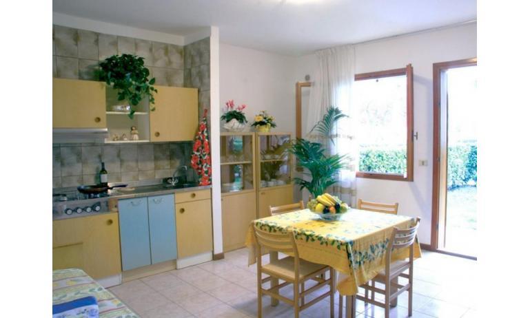 villaggio ACERI: B5 - soggiorno (esempio)