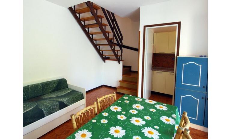 appartamenti VILLAGGIO MICHELANGELO: C6b - scala interna (esempio)