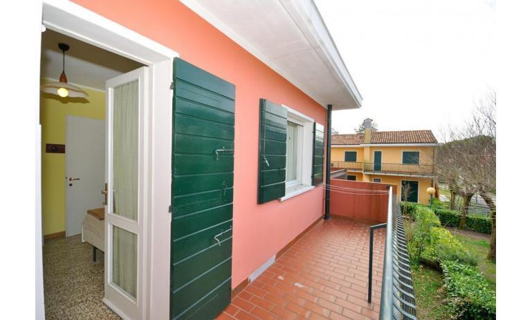 appartamenti VILLAGGIO MICHELANGELO: C6b - balcone (esempio)