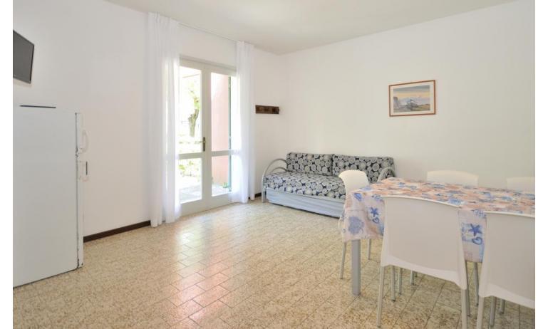 appartamenti VILLAGGIO MICHELANGELO: C6b - soggiorno (esempio)