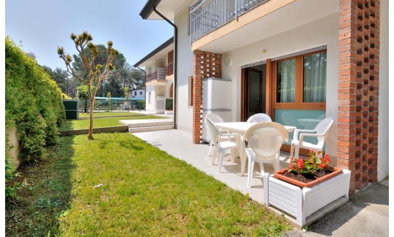 appartamenti DELFINO: C6 - portico (esempio)