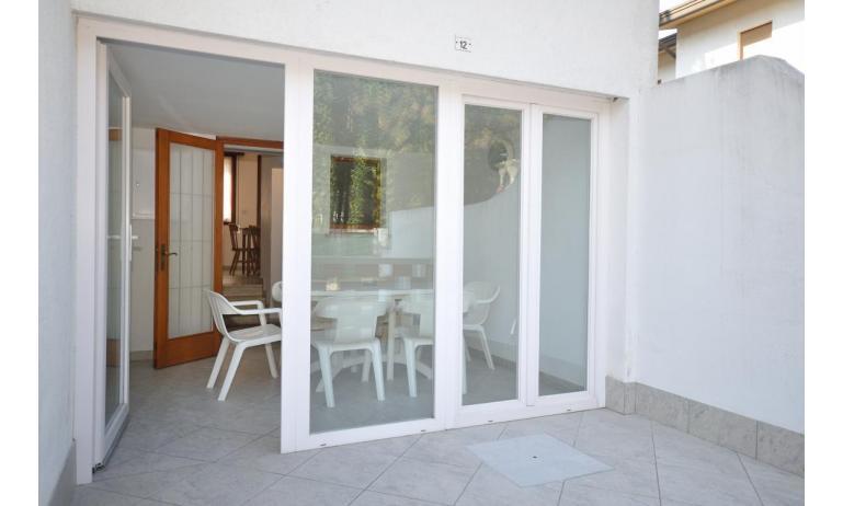 appartamenti DELFINO: C5V - veranda (esempio)