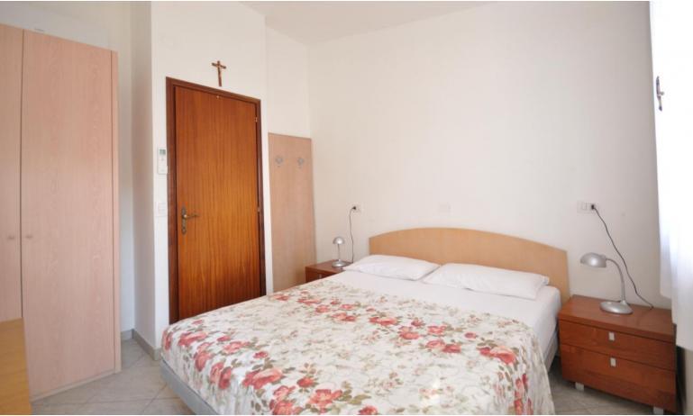 appartamenti DELFINO: C5V - camera matrimoniale (esempio)