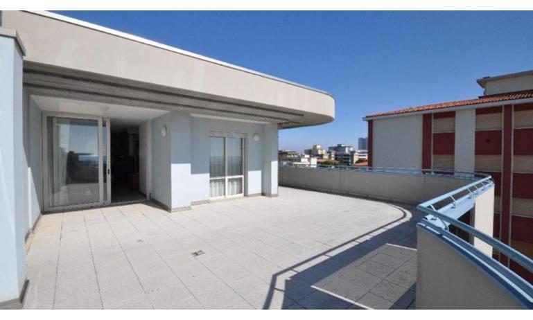 residence EUROSTAR: C7A - terrazzo attico (esempio)