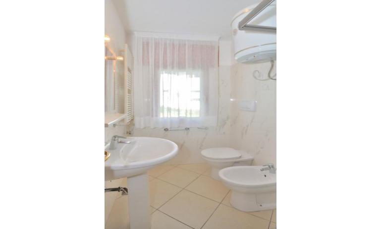 appartamenti DELFINO: B5 - bagno (esempio)