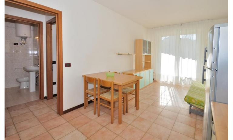Residence LIDO DEL SOLE 1: B5 - Wohnzimmer (Beispiel)