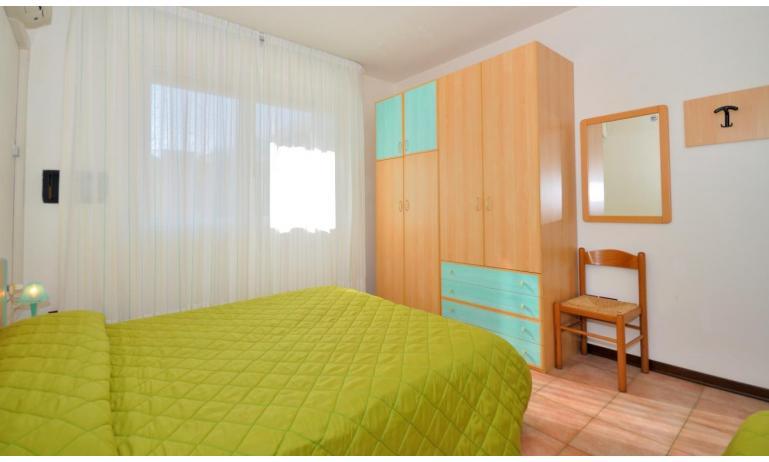 Residence LIDO DEL SOLE 1: B5+ - Schlafzimmer (Beispiel)
