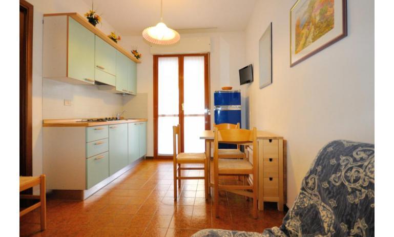 résidence VALBELLA: B4 - coin cuisine (exemple)