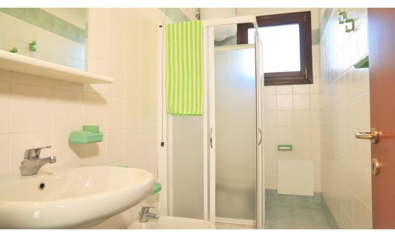 résidence LIA: B5/0 - salle de bain (exemple)