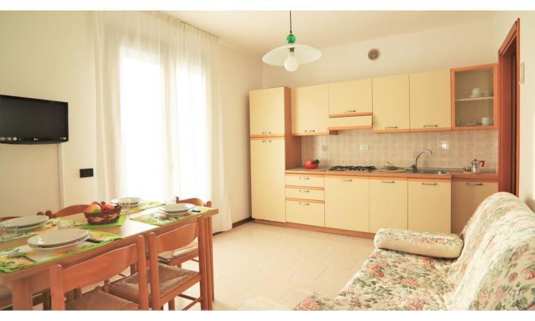 résidence LIA: B5/1 - coin cuisine (exemple)