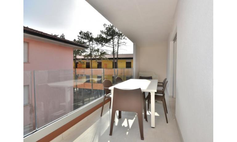 Ferienwohnungen IRIS SUITE: A2 - A2 - Balkon (Beispiel)
