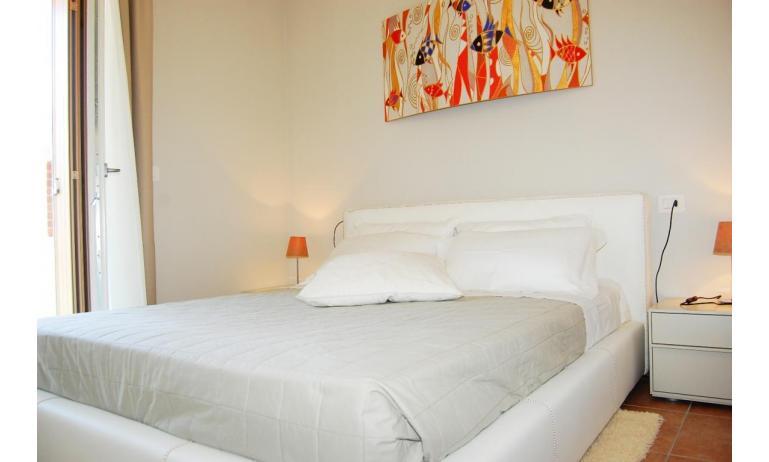 residence EVANIKE: B4 - camera matrimoniale (esempio)