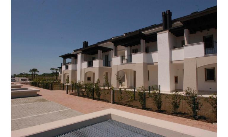 Residence EVANIKE: B4 - Außenseite von Reihenhaus (Beispiel)