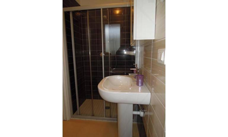 Residence EVANIKE: B5 - Badezimmer (Beispiel)