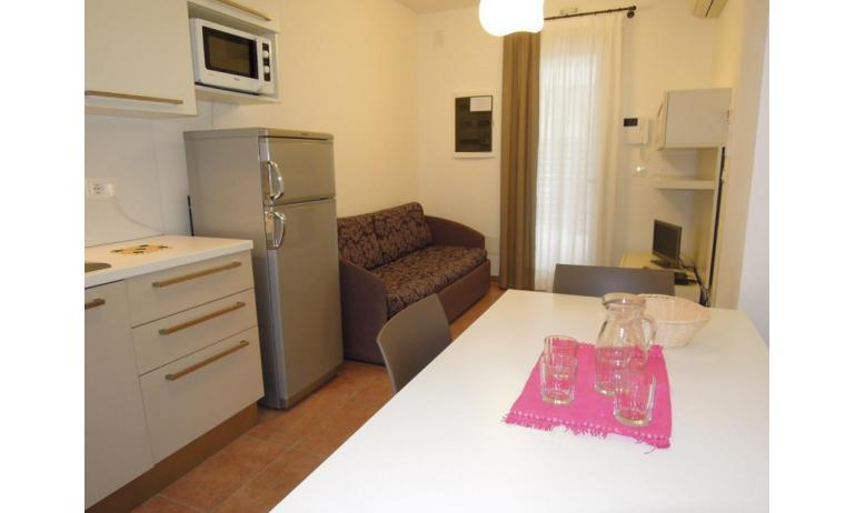 residence EVANIKE: C6 - divano letto doppio (esempio)