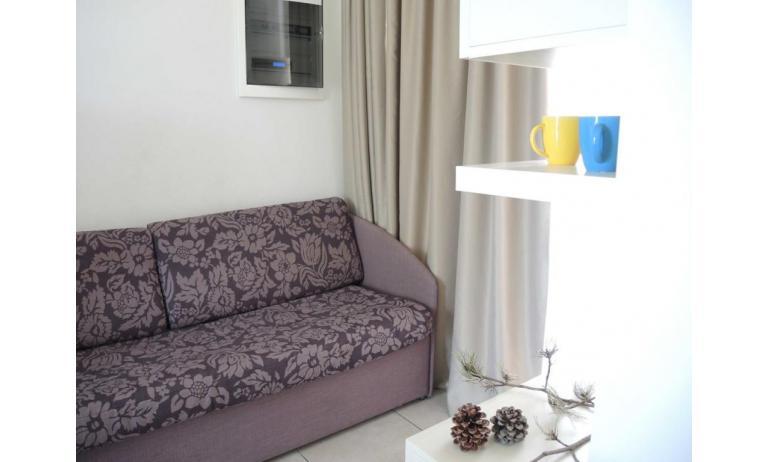 Residence EVANIKE: D8 - Einzelschlafcouch (Beispiel)