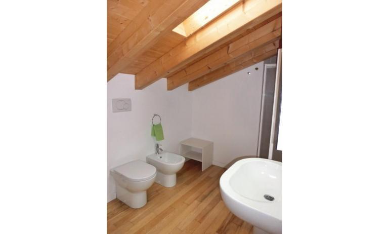 residence EVANIKE: D8 - bagno (esempio)