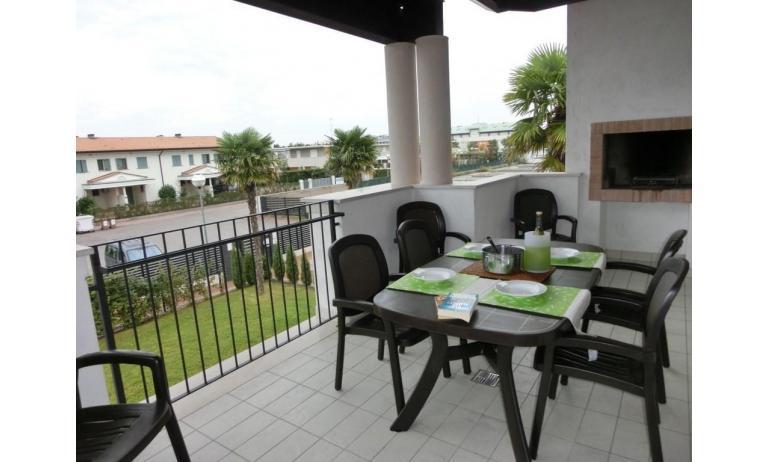 residence EVANIKE: D8 - terrazzo (esempio)