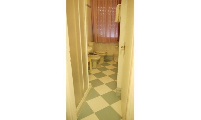hotel ALEMAGNA: Familiare - bagno (esempio)