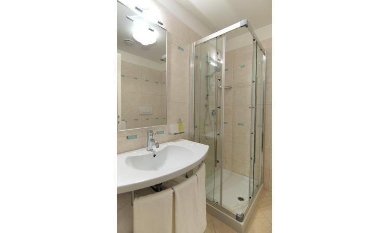 aparthotel ASHANTI: A2 Nord - bagno (esempio)