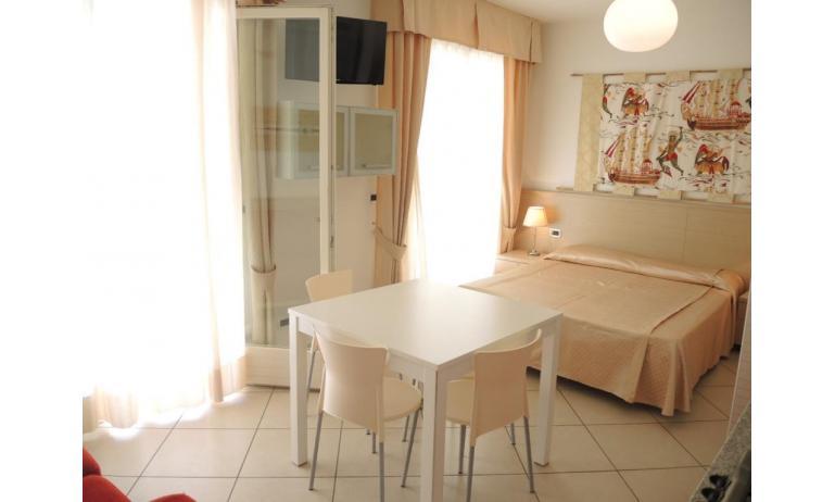 aparthotel ASHANTI: A2 Nord - letto matrimoniale (esempio)