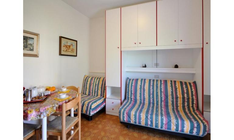 appartamenti RANIERI: A3 - poltrona letto (esempio)