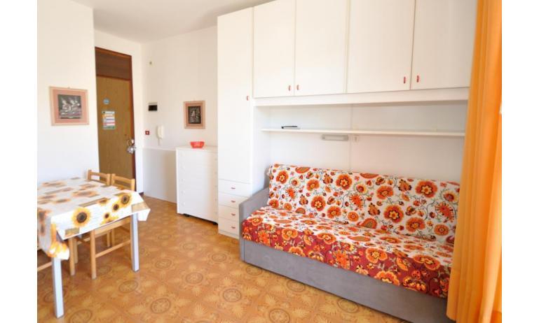 appartamenti RANIERI: A3 - divano letto doppio (esempio)
