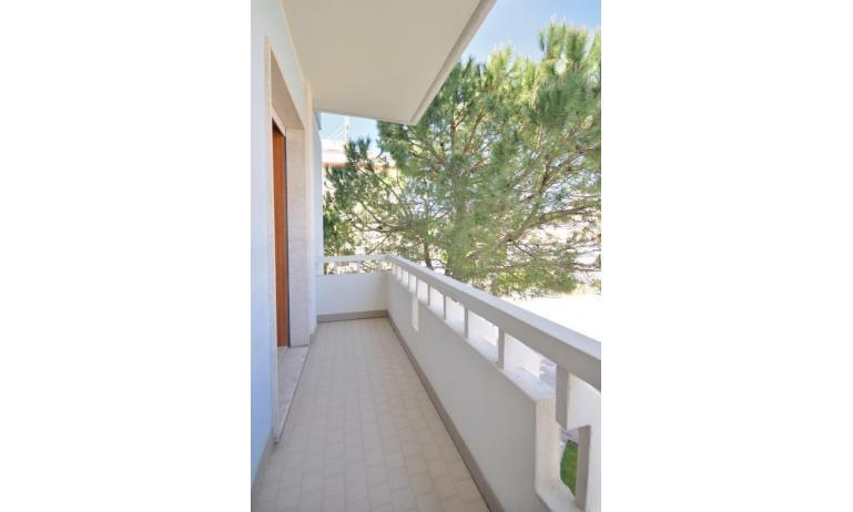 appartamenti RANIERI: B4 - balcone (esempio)