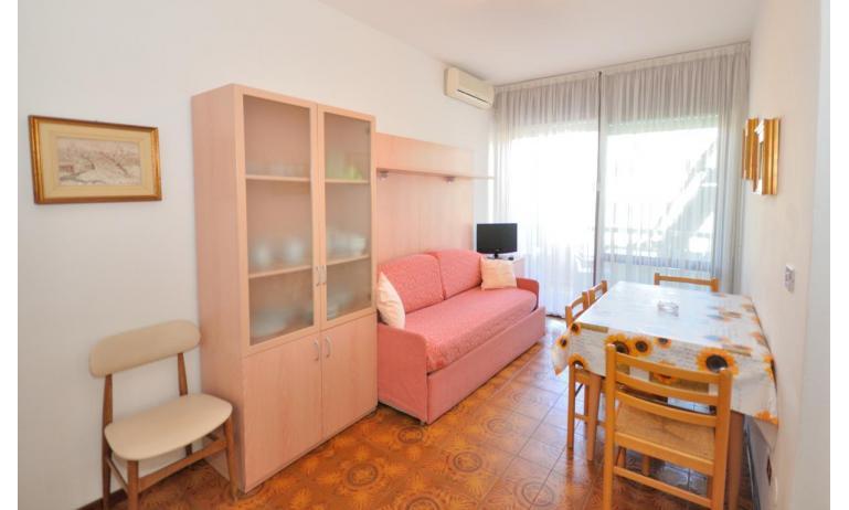 appartamenti RANIERI: B5 - soggiorno (esempio)