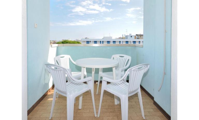 appartamenti MONACO: A5 - balcone (esempio)
