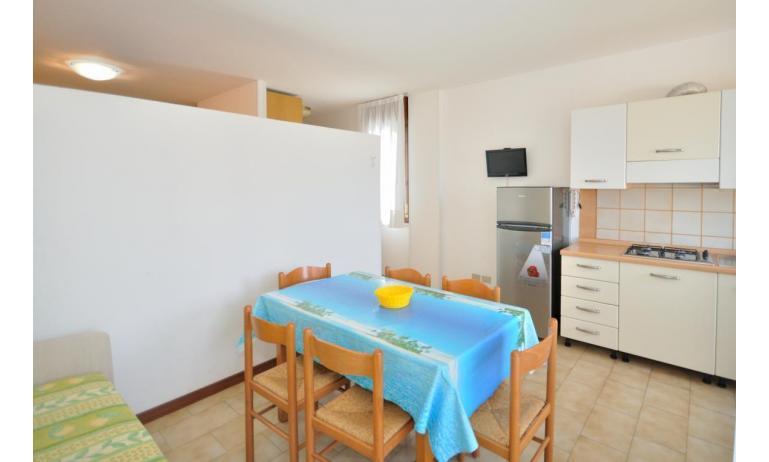appartamenti MONACO: B7 - soggiorno (esempio)