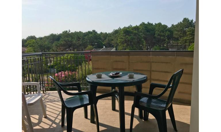 residence LIDO DEL SOLE: B5 - balcone (esempio)